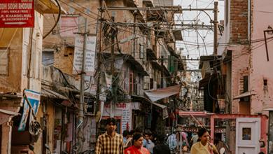 "Photo of Strazile din Bombay: ""cautand mantuirea prin droguri, sex, perversiuni, violenta"". Narcopolis, Jeet Thayil"